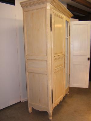 Venta de armario antiguo pintado tienda antiguedades online - Armarios antiguos restaurados ...