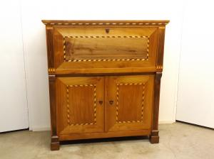 Bur antiguo de cerezo con marqueter a muebles antiguos for Catalogo muebles boj