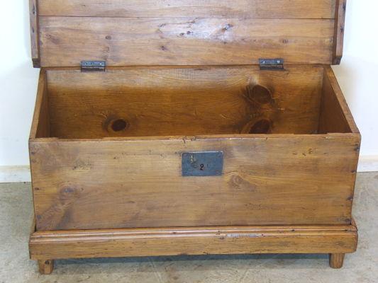 Venta de peque a arca antigua tienda antiguedades online - Restaurar baules antiguos ...