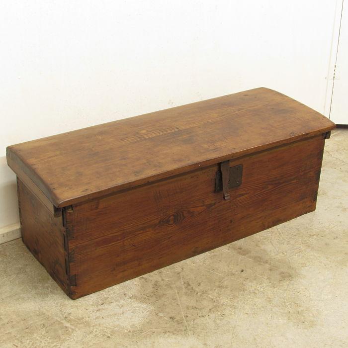 ba l antiguo de madera de pinotea muebles antiguos y
