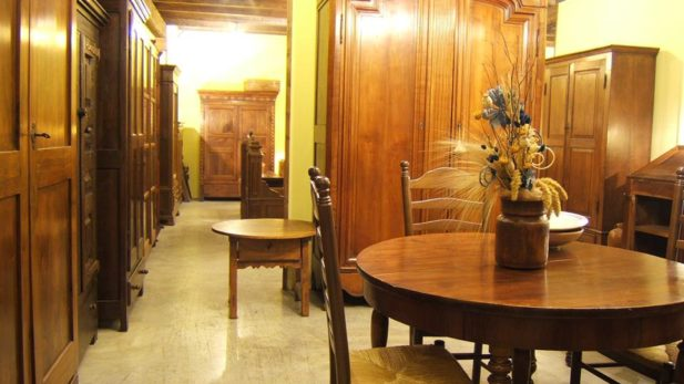 Zumadia mobiliario antiguo