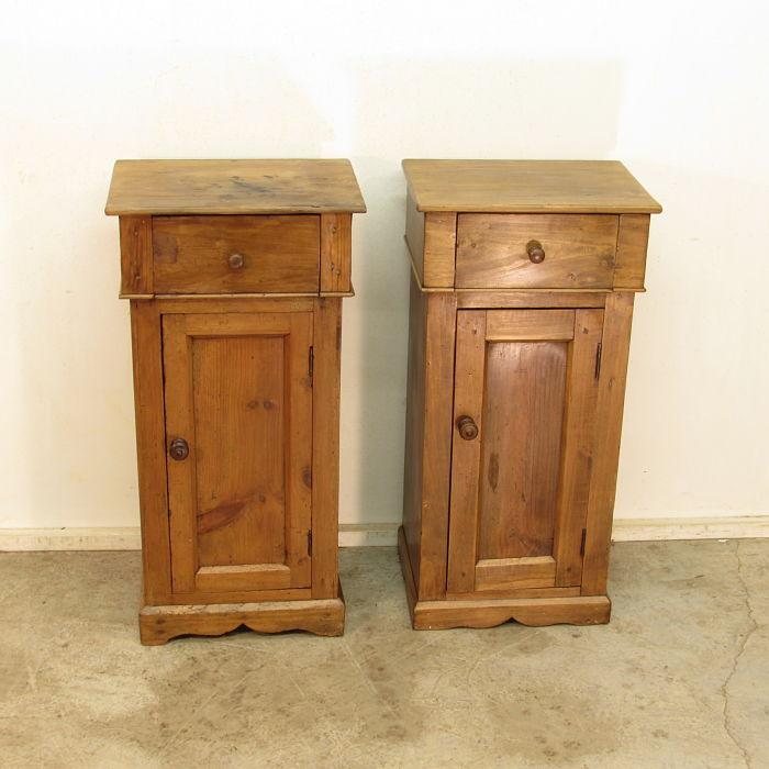 pareja de mesillas antiguas 231017