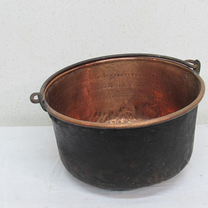 caldera antigua de cobre 231118