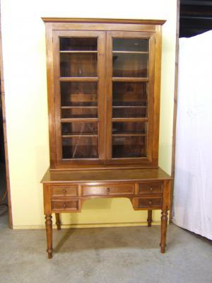 Mesa escritorio con librería antigua