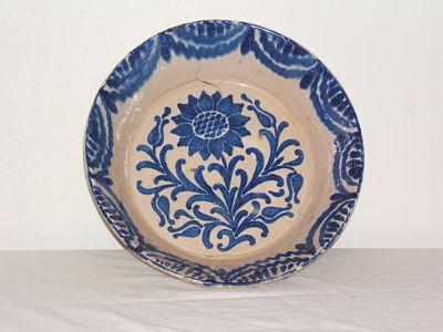 Fuente antigua de ceramica de Fajalauza